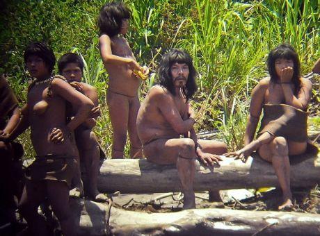 Photo of Ανακάλυψαν πρωτόγονους ιθαγενείς στον Αμαζόνιο ποταμό