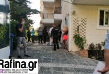 Photo of Θρίλερ στη Ραφήνα: Άνδρας βρέθηκε κρεμασμένος από μπαλκόνι πολυκατοικίας